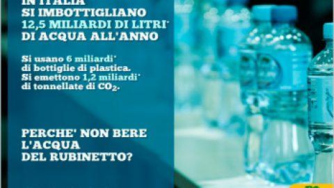 Legambiente Acqua in bottiglia: un business tutto italiano
