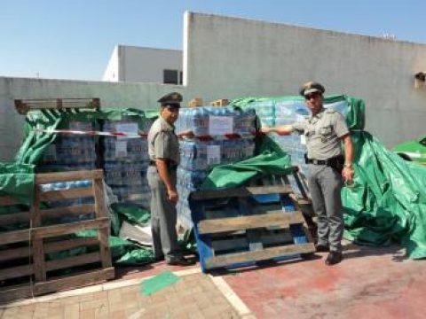 Forestale sequestra 10.500 bottiglie di acqua minerale